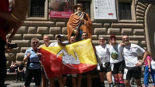 100 km del Passatore 2014 (42^ ed.). 6 esordienti ragusani e tutti finisher al traguardo di Piazza del Popolo, al loro rientro sono stati ricevuti ed elogiati dal Sindaco Piccitto