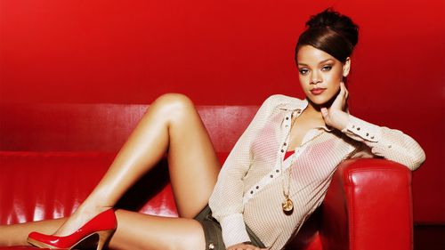 Rihanna-2013-Photoshoot-HD-Wallpaper-e1369749735556