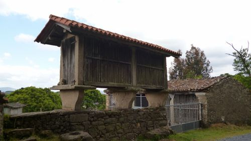 999-811 Horreo, Carballal (1024x576)