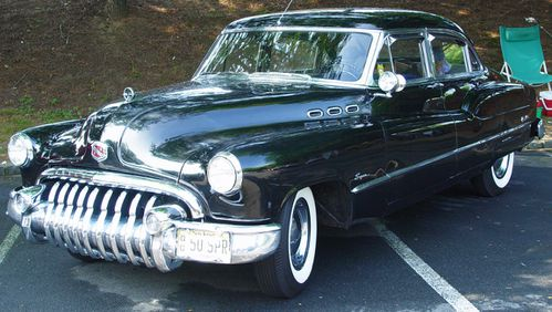 1950-Buick-Super-Black-4-door-le