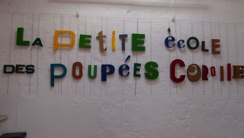 Petite_ecole_poupees_Corolle.JPG
