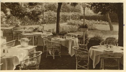 Restaurant_point_la-piramide_vienne_1952_dos-D.jpg