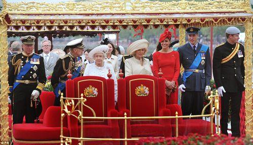 Queen-s-Diamond-Jubilee-3.jpg