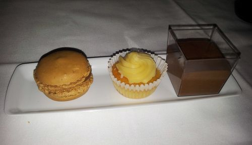 air france business paris NY dessert