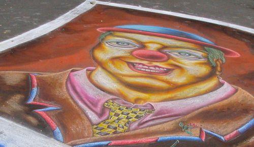 clown trottoir craie mendicité 3