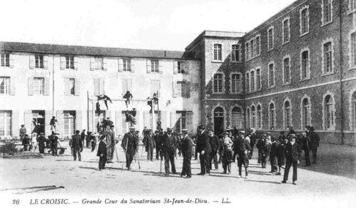 grande-cour-du-sanatorium.jpg
