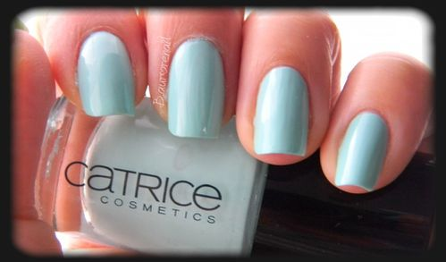 catrice-540-am-i-blue-or-green-5.JPG