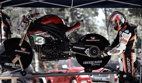 triumph-speed-triple-1050-pikes-peak