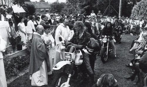 16- Bénédiction des motos en 1988
