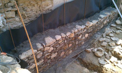 creation terrasse mur sout nement renovation complete d. Black Bedroom Furniture Sets. Home Design Ideas
