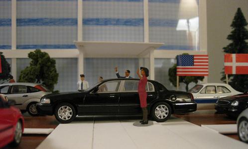 obama-diorama.png