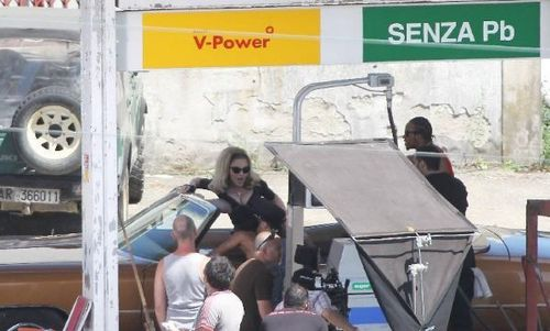 20120618-pictures-madonna-turn-up-the-radio-set-37