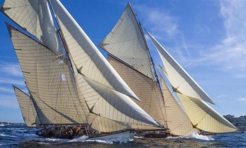 Yachting 300 voiliers dont 13 wally 18 tofinou 8 code for Voile de bateau pour terrasse