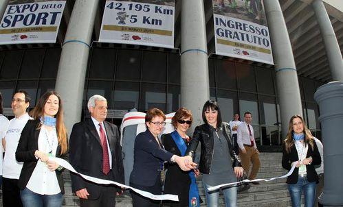 Acea Maratona di Roma 2014 (20^ ed.). Con l'inaugurazione del Marathon Village, si entra nel cuore dell'evento