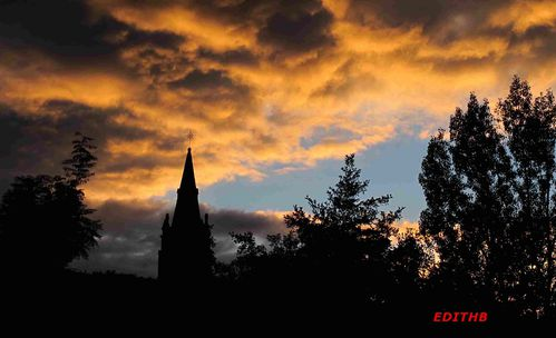 CLOCHER EGLISE AGUESSAC NUAGES (1)