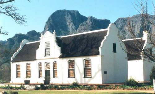 800px-Rhone Manor - South Africa