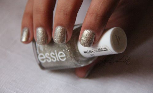 Essie beyond cozy6