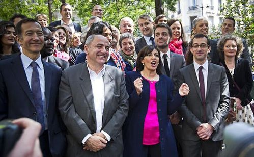 anne-hidalgo-pose-equipe-campagne-dont-jean-louis-missika-r