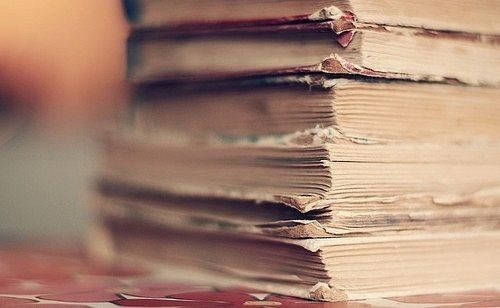 books-dust-old-Favim.com-331853_large.jpg