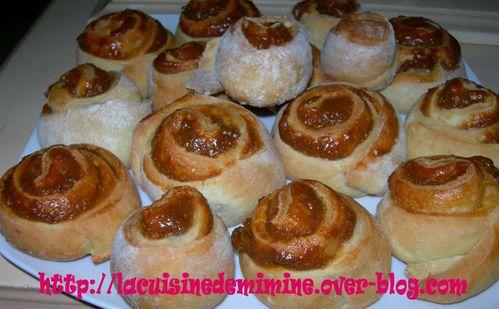 rolls-a-la-confiture-de-lait.jpg