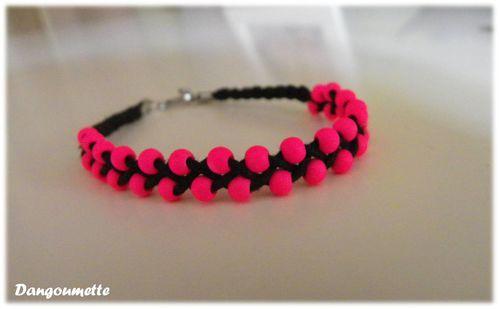 bracelet fluo rose