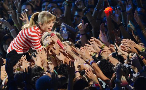 taylor swift mtv vma 2012 we are never ever getting back to
