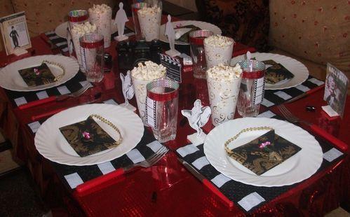 Table cin ma hollywood cuisinestyle for Table theme cinema