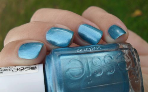 Essie Beach Bum Blu 6