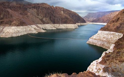 Lake-Mead-etats-Unis-500x800.jpg