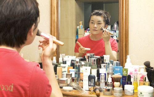 Makeup-beauty-blogger-Lee-Byeong-chul.jpg