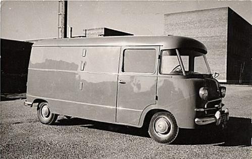 1400-furgon-3.JPG