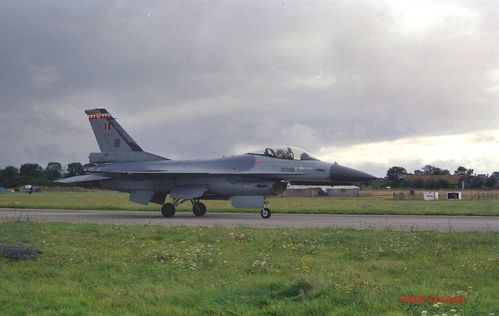 General dynamic F16 10 copie
