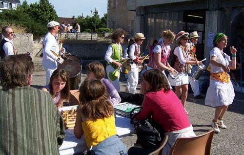 11 des danseurs fête du jeu Auxerre 2011
