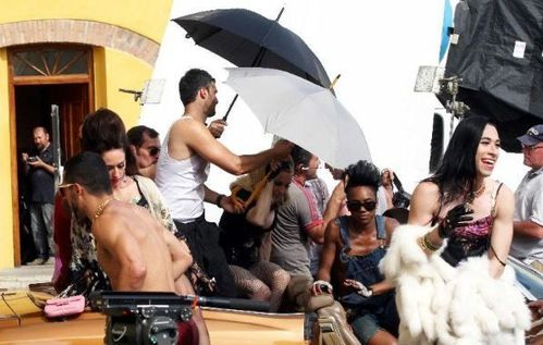20120618-pictures-madonna-turn-up-the-radio-set-17