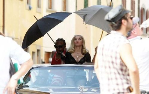20120618-pictures-madonna-turn-up-the-radio-set-27
