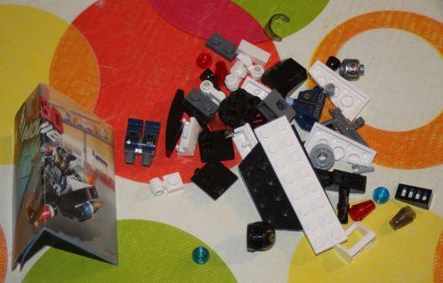 LEGO 30282 The Lego Movie Super Secret Police Enforcer 03