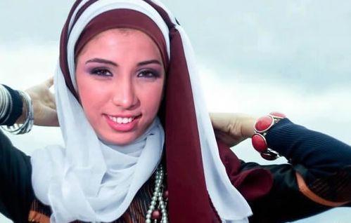 Dounia Batma, différentes facettes de sa popularité