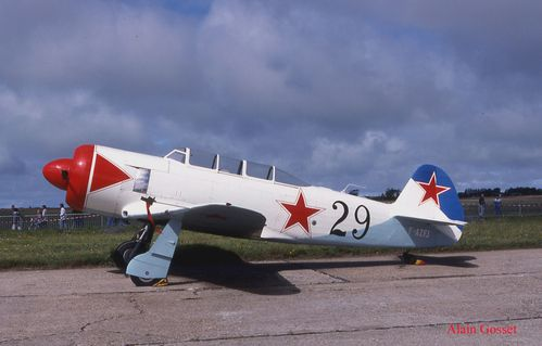 YAK 11 10 copie
