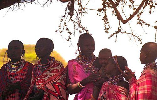 Masai-Frauen.jpg