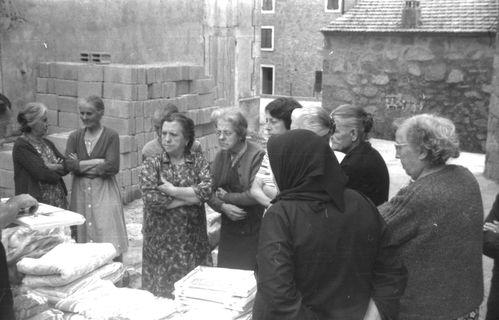 femmes-village.jpg