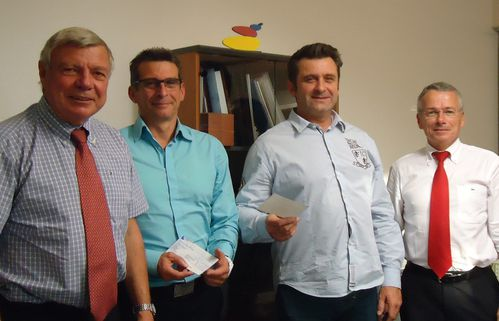 remise-de-cheque-SNT-Thermoformage.JPG