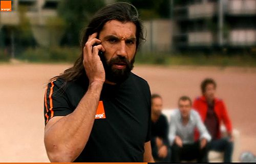 26 01 Chabal se met au foot avec Orange...