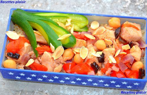 bento-couscous-pruneau-pois-chiche-poivron-tomate-amande.jpg