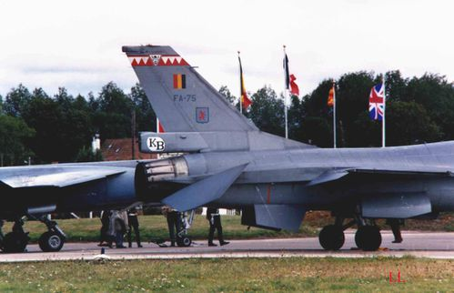 General dynamic F16 2 copie