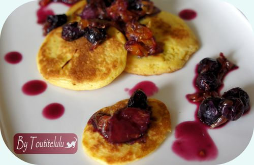pancakes-compotee-myrtille-orange-sanguine-sans-g-copie-1.JPG