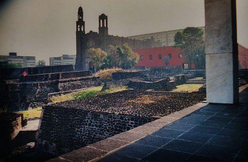 Mexico-la-place-des-trois-cultures