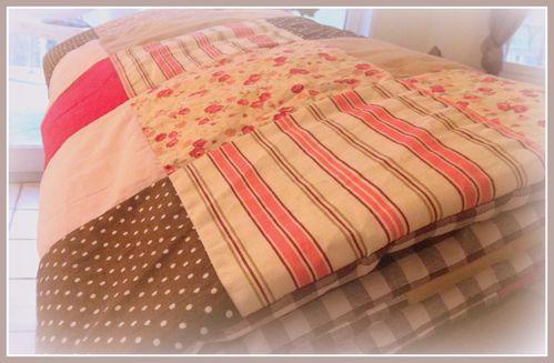 une couverture pour petite fille les secrets de carotte. Black Bedroom Furniture Sets. Home Design Ideas