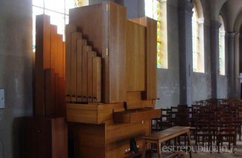 depuis-1976-l-eglise-abrite-un-orgue-construit-a-la-manufac