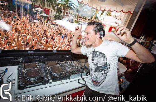 Tiësto at Encore beach club - Las Vegas 22 april 2012 (17)