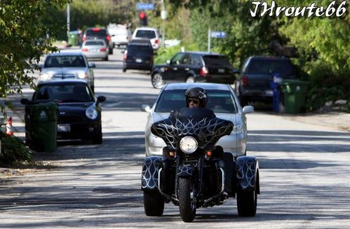 Rides Johnny Hallyday sa moto photo du 11.avril.2011 n4